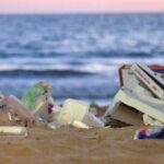Retorno de turismo a playas de México deja derrama de ¡19 toneladas de basura!