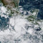 Actividad ciclónica de la semana: Genevieve en las costas del Pacífico.