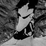 Satélite capta el momento de la ruptura de una placa de hielo en el Ártico.