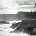 Emiten alerta de tsunami en Hawaii, tras fuerte terremoto M7.5 en Alaska.