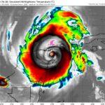 Se intensifica Delta a huracán categoría 2, ingresará a Península de Yucatán.