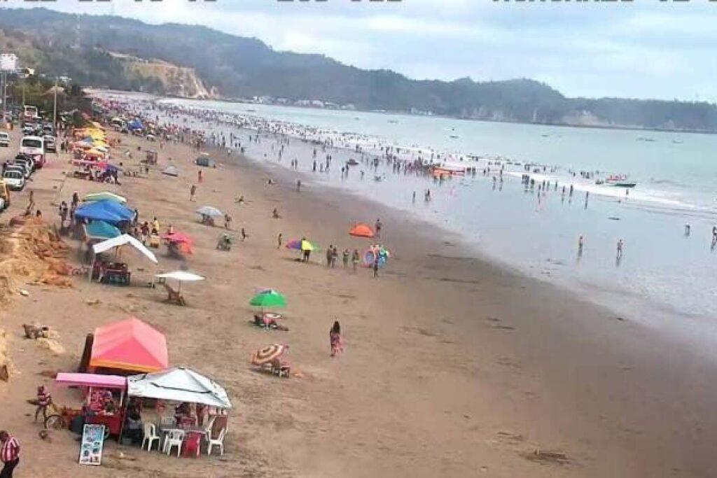 Alarma en Ecuador: el mar se retira más de lo normal.Es debido a un fenómeno llamado aguaje.