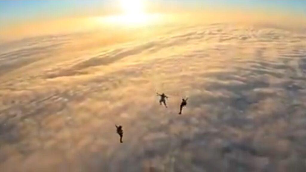 inmensa muralla de nubes