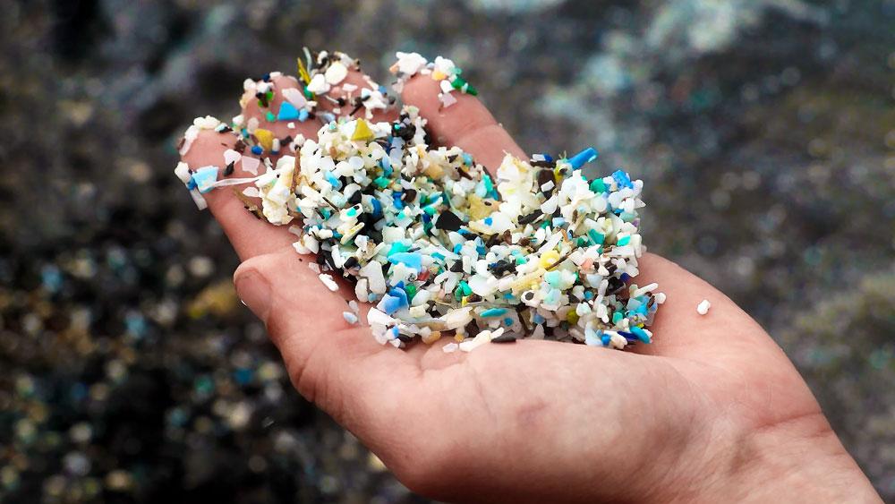 Microplásticos: miles de toneladas se arremolinan en la atmósfera.