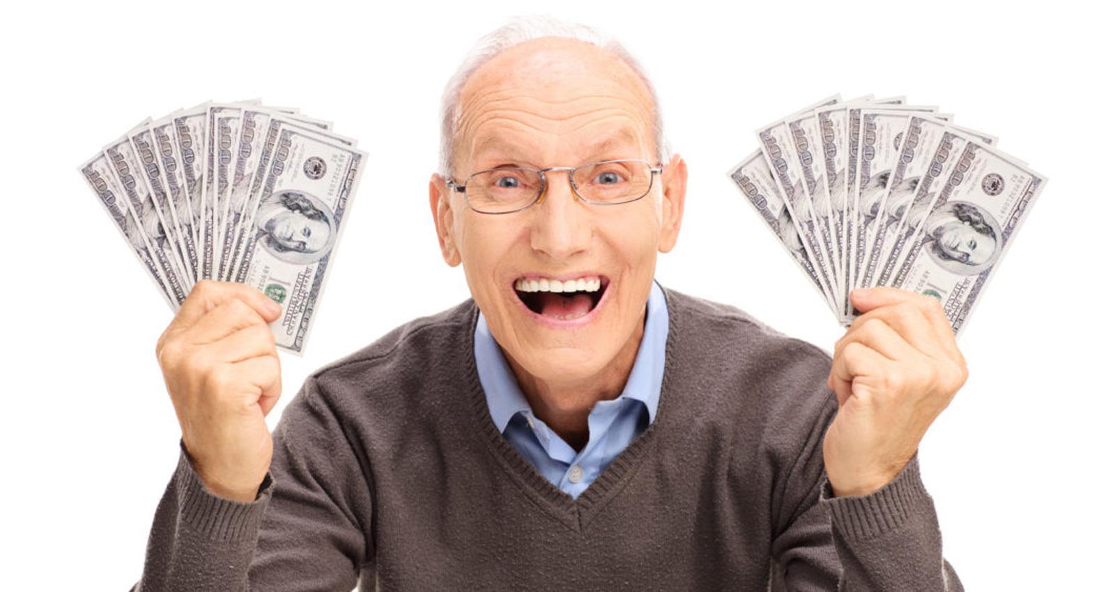 Lotería: hombre gana millones de dólares con boleto equivocado.